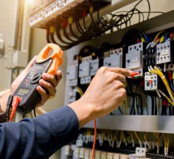 Pomiary_elektryczne_w_praktyce.jpg